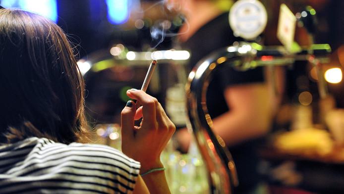 Mensen die stoppen met roken, kunnen punten sparen.