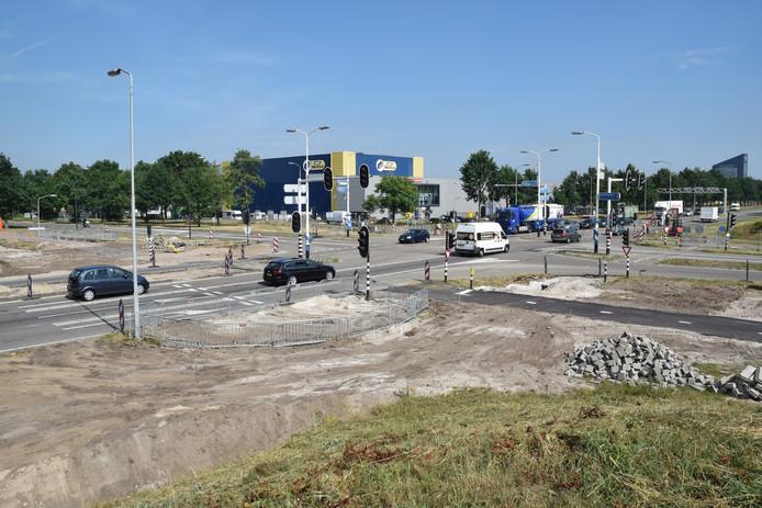 Archieffoto van het nieuwe kruispunt in aanleg.