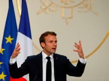 """Journalistes convoqués en France: le gouvernement n'y est """"pour rien"""", assure Macron"""