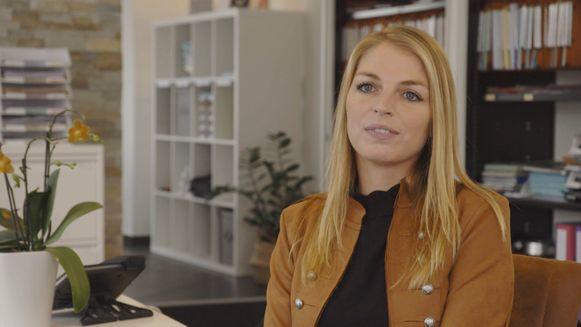 Stefanie Dubois van Q Spot in Halle doet mee aan Huizenjagers op Vier.