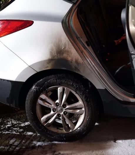 Auto vermoedelijk in brand gestoken in Maarheeze
