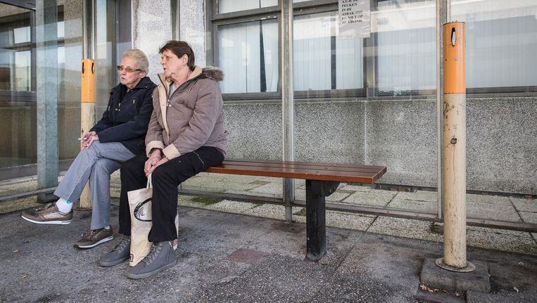 Rini Kempes (met bril) en Dini Kempes Beeld Dingena Mol