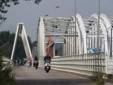 Westervoortse IJsselbrug kleurt vanavond oranje