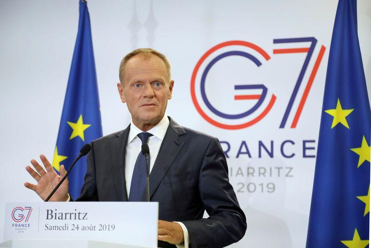 EU-president Donald Tusk spreekt voorafgaand aan de G7-top in het Franse Biarritz. Beeld AP