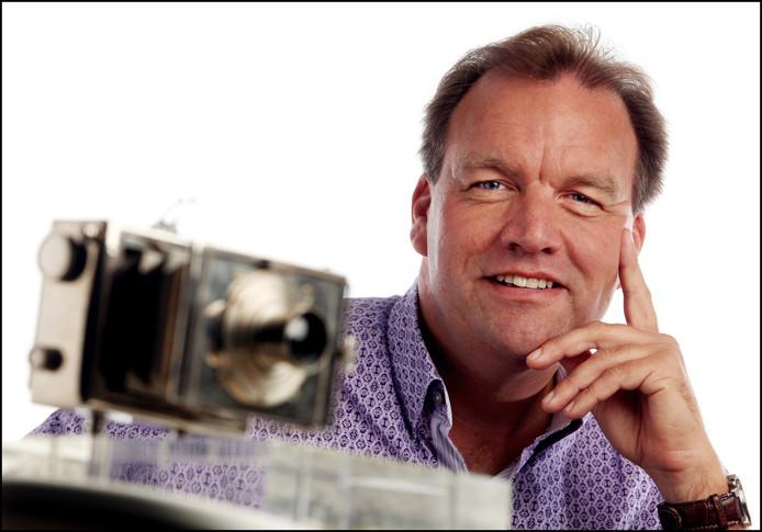 Portret van fotograaf Pim Ras met de Zilveren Camera