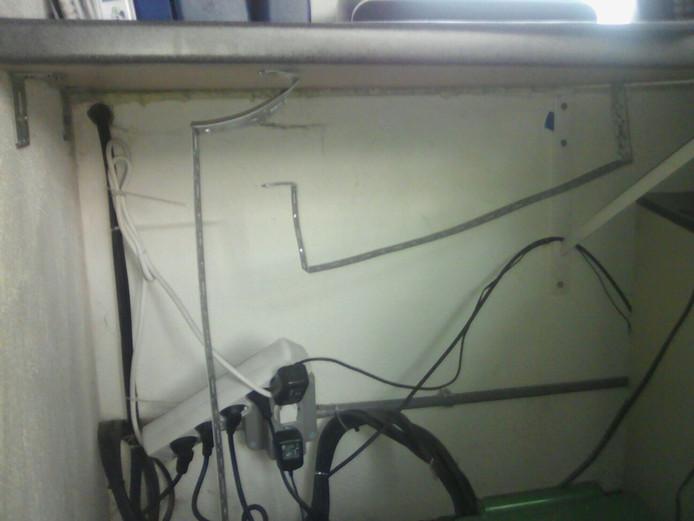 De kast waar de recorder van de beveiligingscamera's stond.