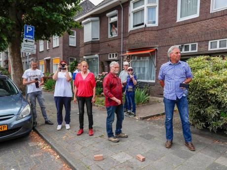 Pegida wil dat politie Eindhoven alsnog achter stenengooiers aan gaat; agenten hebben geen stenengooiers gezien