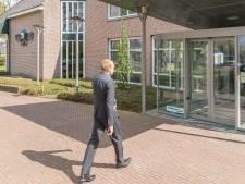 Gemeentehuis Staphorst: nieuwbouw of opknappen
