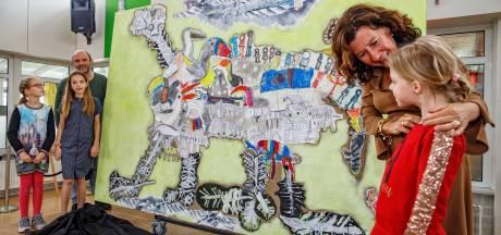 Groot verzameldier van kindertekeningen uit Onderwijscentrum Leijpark