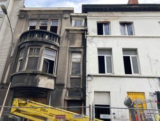 Woning onbewoonbaar verklaard na hevige brand, bewoner verhoord door politie