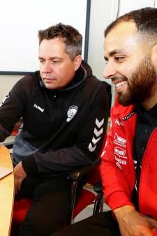 Faillissement van VoetbalTV brengt amateurclubs in problemen: 'We filmen weer zelf met handcamera's'