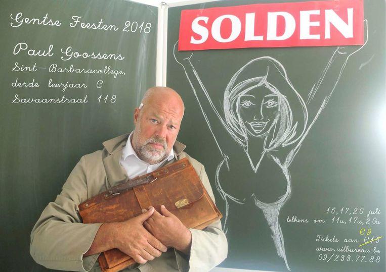 Paul Goossens bij de affiche van zijn voorstelling.