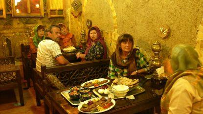 """Iran sluit 547 restaurants wegens """"losbandigheid"""""""