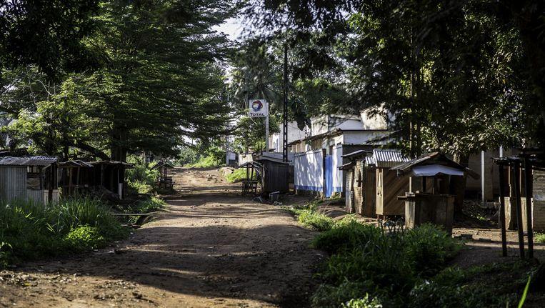 Een verlaten markt in een christelijke buurt in Boda, waar mensen op de vlucht zijn geslagen voor sektarisch geweld. Beeld ap