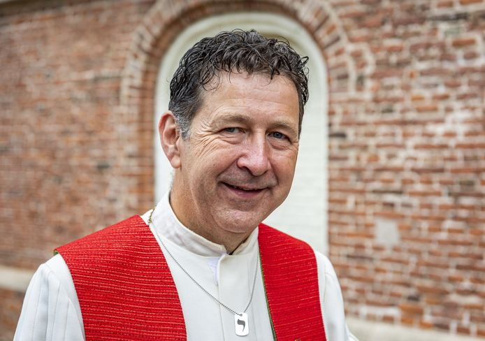Richard Slaar is sinds afgelopen zondag de nieuwe dominee van de Protestantse Kerk in Raalte.