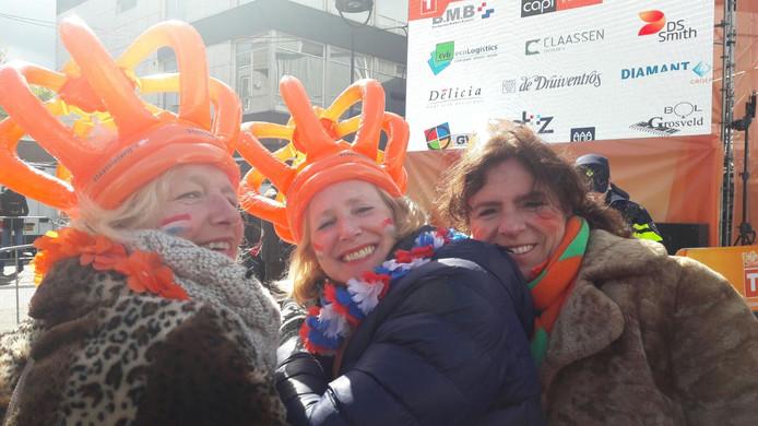 Vlnr Catharina Keyzer, Margot Luijs en Yvon Jonkers uit Tilburg