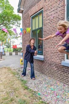 Na jaren strijd in buurtschap Genne is het nu echt voorbij: de kleinste school van Nederland is dicht
