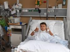 Sint MaartensKinderkliniek Boxmeer: Eva en Djerano herstellen met tosti in 'een klein vakantiehuisje' na urenlange operatie