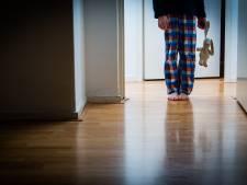 OM: vader uit Renkum schopte zijn zoons en zette ze onder de koude douche