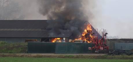 Grote brand in geitenstal in Dongen