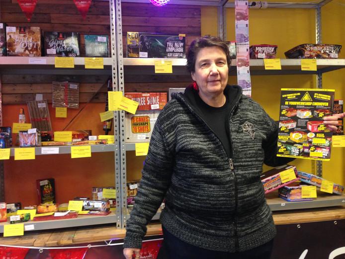 Nancy Bressers, eigenaresse van de Vuurwerkshop Eindhoven.