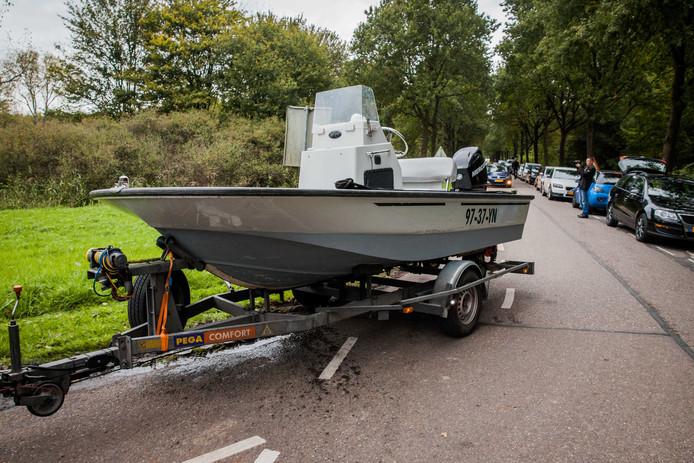 2017-10-11 16:30:20 ZEEWOLDE - De politie zoekt naar de vermiste Anne Faber in de buurt van een golfterrein in Zeewolde. De Utrechtse wordt al ruim anderhalve week vermist. ANP SEM VAN DER WAL