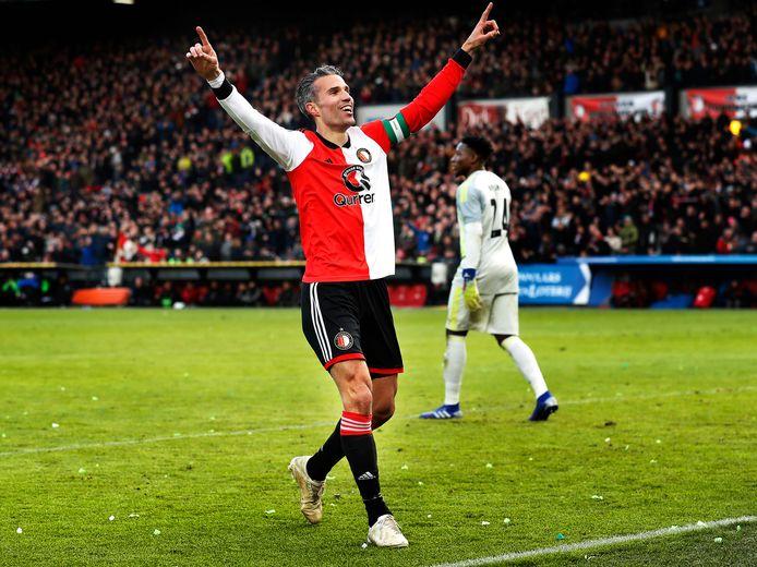 Robin van Persie kan zondag tegen FC Groningen zijn 200ste competitiegoal maken.