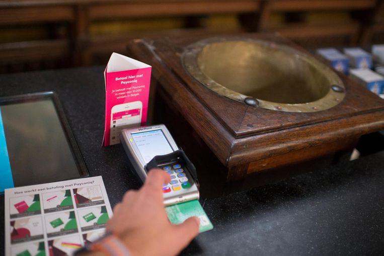 Het digitale offerblok in de kathedraal.