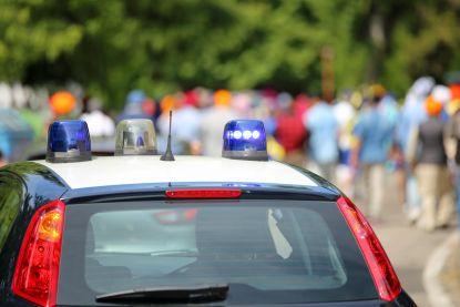 Belg (55) probeert 25 jaar jongere vriendin te vermoorden op vakantie in Italië: zoon kan drama voorkomen
