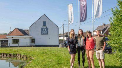 """Op 't Hof start met Eaudilon nieuw avontuur in Pamel: """"Een trendy loungebar waar je ook 'stoemp' kan eten"""""""