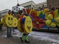 Massaal gaan de carnavalswagens uit de Langstraat in de verkoop