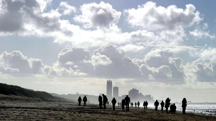 Als het aan de lokale politiek ligt, dan wordt de Nederlandse kust geen tweede Benidorm