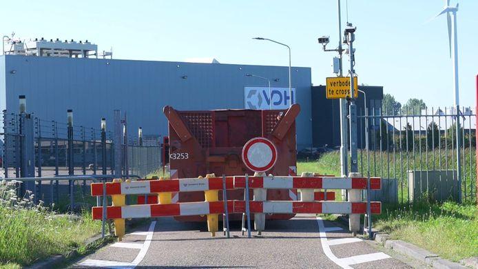 Breda plaatst container om toestroom uit België te beperken.