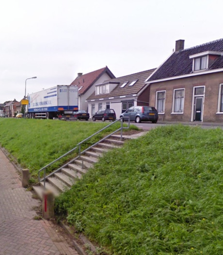Inwoners kunnen met rollator de Molendijk in Klaaswaal af