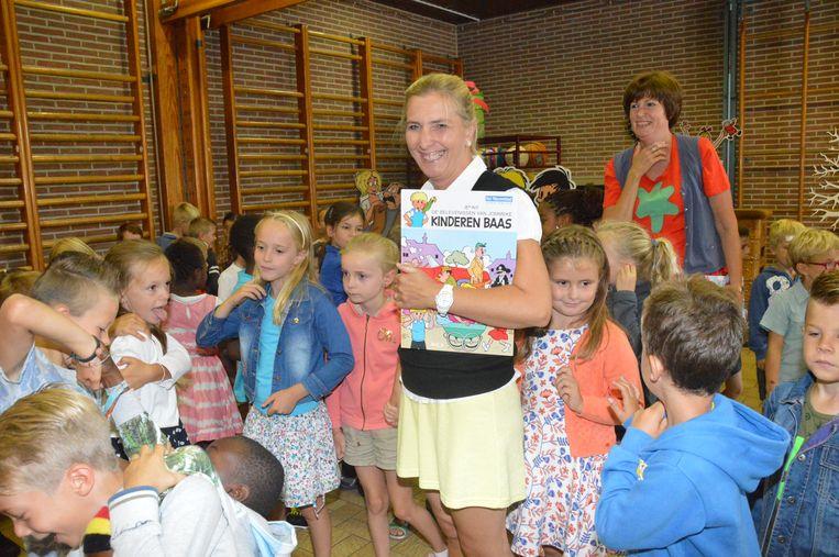 Onder andere Rozemieke verwelkomde de kinderen met de glimlach.