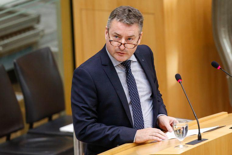 De burgemeester van Puurs, Koen Van Den Heuvel.
