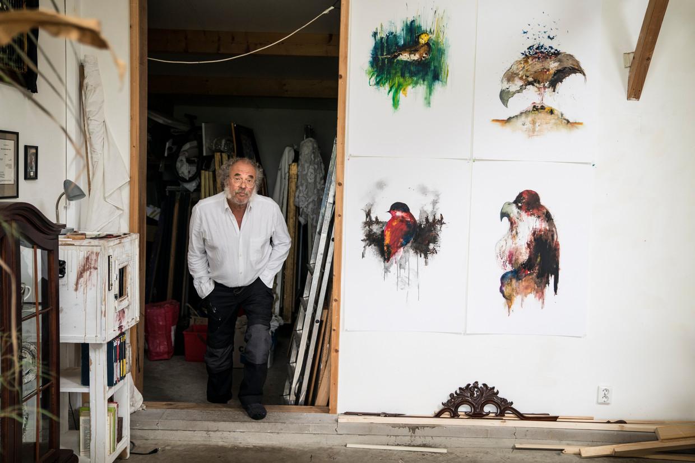 C.O. Hooijmeijer in zijn atelier.