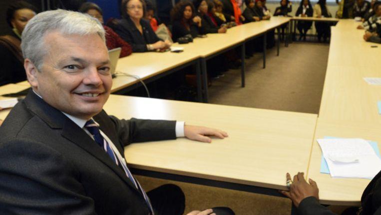 """""""Dat er geen Europese consensus is, maakt het voor Europa moeilijker te participeren in een nieuwe vredesdialoog"""", vindt Didier Reynders."""