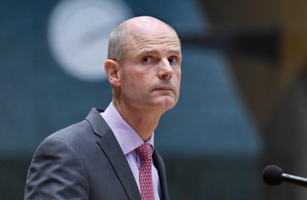 **Minister Blok biedt excuses aan: 'Ik heb uitspraken gedaan die ik niet had moeten doen'**