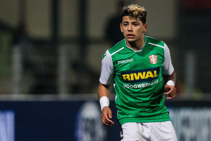 FC Dordrecht-middenvelder Gustavo Hamer over zijn kaartenlast: ,,Vijf keer geel en één keer rood, dat is te veel.''