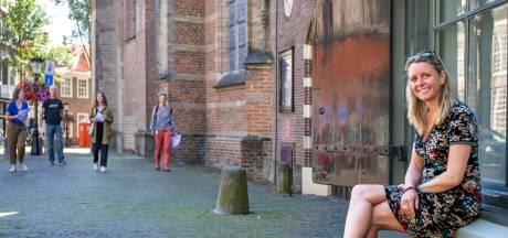 Scènes uit Thea Beckmans 'Stad in de storm' komen tot leven in nieuwe wandeling in Utrecht