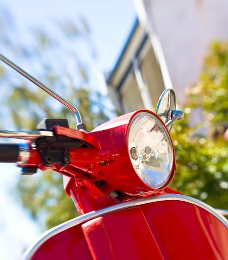 Twee Edenaren dankzij getuige aangehouden voor helen van scooter