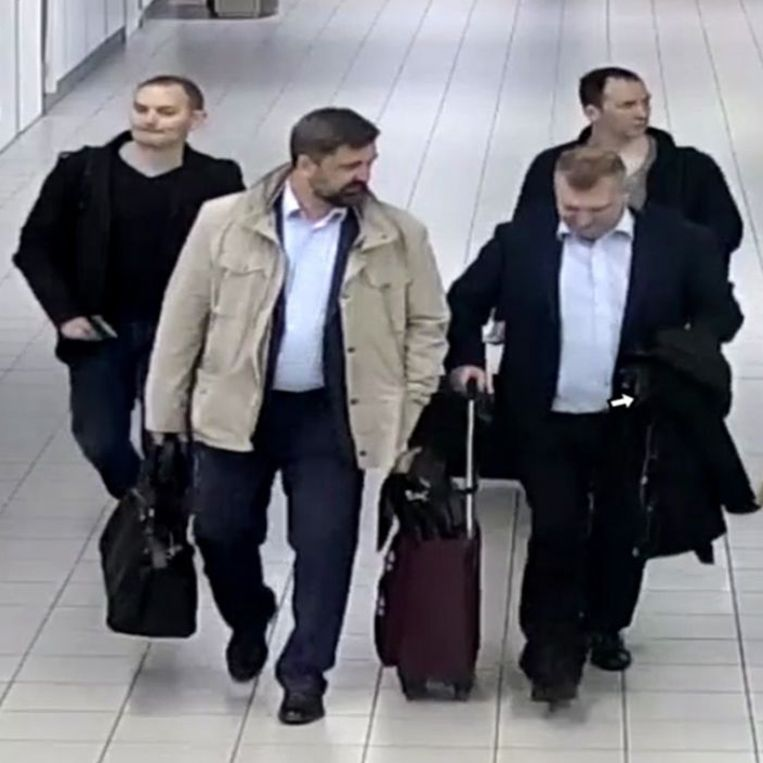 De vier Russische spionnen op Schiphol. Beeld EPA