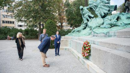 Serene bloemenhulde herdenkt 76ste verjaardag van de bevrijding van Antwerpen