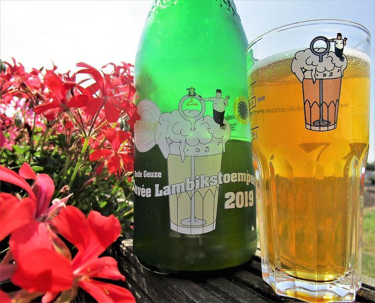 Bierproeversvereniging De Lambikstoempers bestaat twintig jaar en viert dat met een de Cuvée Lambikstoemper.