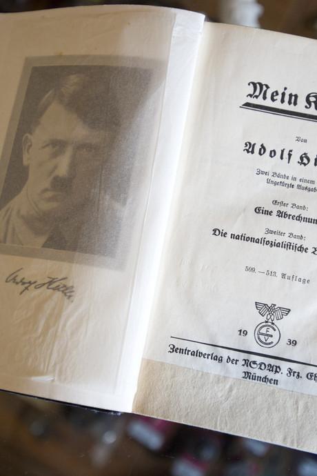 Rechter beboet verwijzing naar Mein Kampf op Houtense beurs