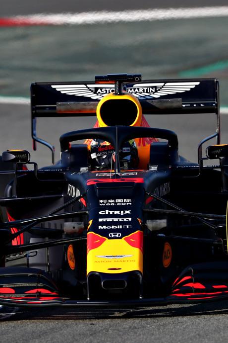 LIVE | Verstappen klaar voor middagsessie, Hamilton en Ricciardo maken eerste meters