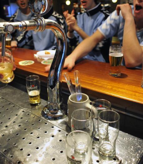 'Alcohol richt dezelfde schade aan als een honkbalknuppel en kan ertoe leiden dat het IQ daalt'