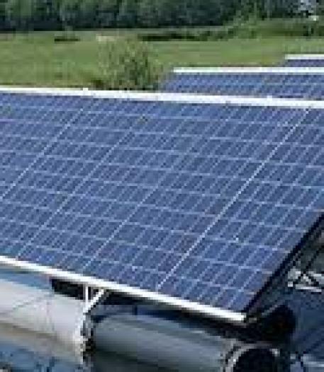 Proef met dubbelzijdige zonnepanelen op de Drielsedijk in Arnhem
