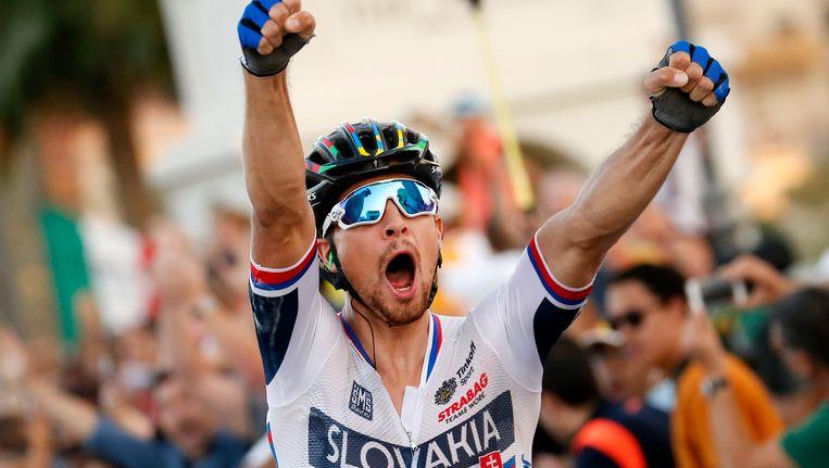 Wie houdt Sagan van derde wereldtitel op rij?